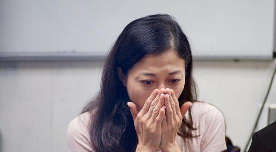 今天,小龙女吴卓林自杀入院,究竟谁该为她的悲惨人生负责?