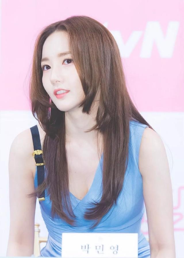 今夏流行「层次发型」减龄又消暑,快跟随韩星「朴敏英」的脚步剪了吧!