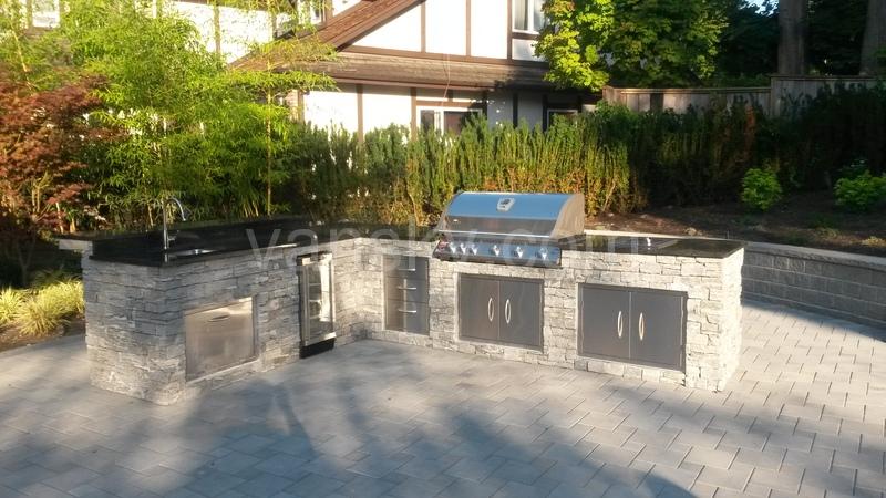 温哥华装修 专业室内外木工 B Amp B专业室外厨房(outside Kitchen Amp Deck) 温哥华天空